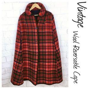 Vintage Tartan Plaid Wool Cape. Reverses to blue M